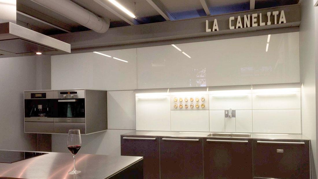 Alquiler cocina Valladolid salas La Canelita