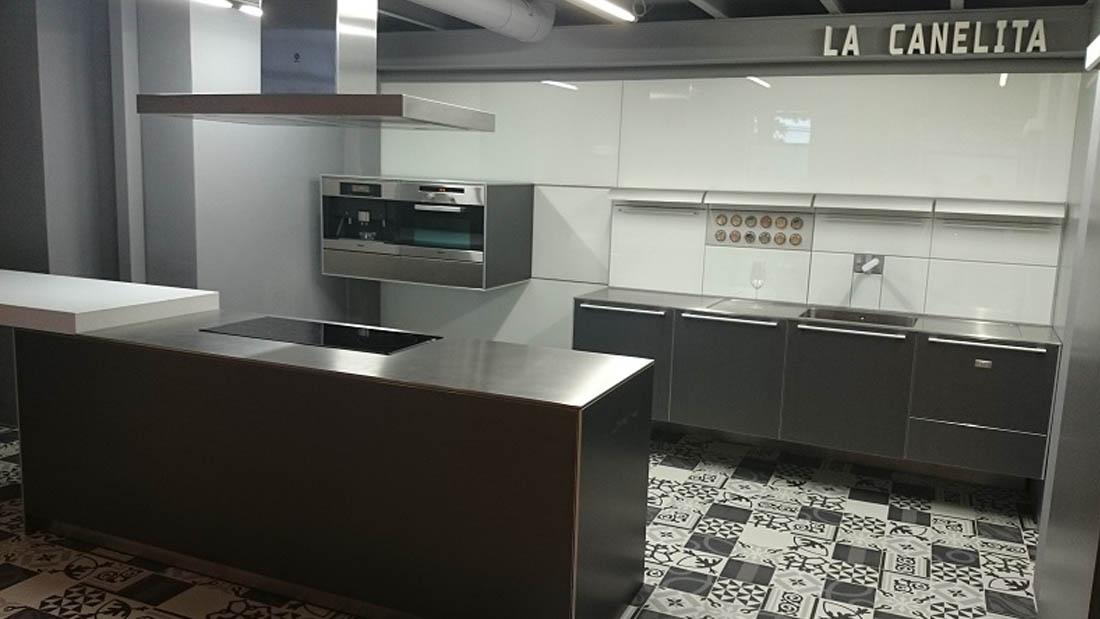 Canelita alquiler cocina coworking Valladolid eventos